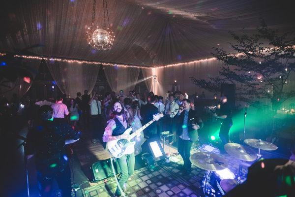 silver bullets party band entertaining a wedding at veritas vineyards